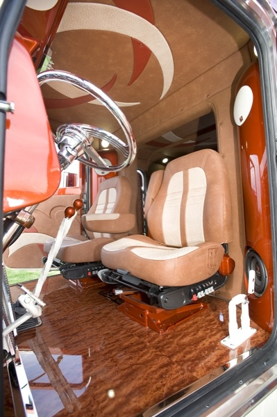 Outlaw customs - Peterbilt 379 interior accessories ...